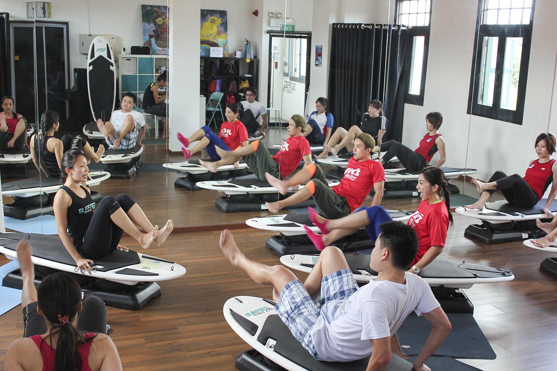 883 jia fm surfset fitness class shark kicks