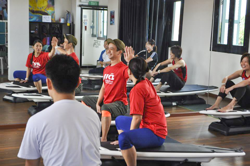 883 jia FM kai ying and robin high five on surfset