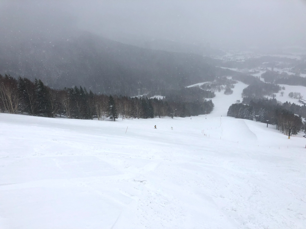 Singaporean's Guide to Snowboarding in Asia - SURFSET